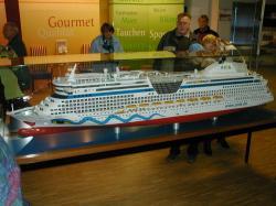 Modell der Aida Diva bei der Papenburger Meyer Werft
