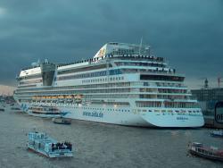 Aida Diva vor der Taufe im Hamburger Hafen