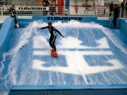 Freedom of the Seas, Flowrider, Bereich zum surfen
