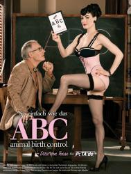 Dita Von Teese erklärt PETAs ABC