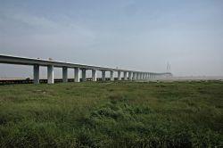Hangzhou Wan Daqiao, engl. Hangzhou Bay Bridge